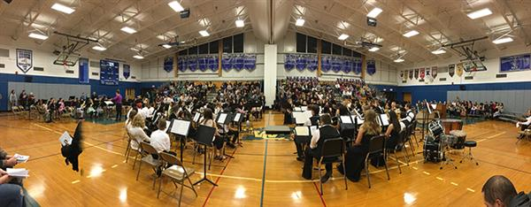 Panaromanic view of all the students playing in the concert